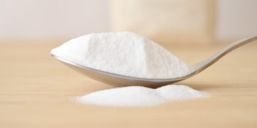 Cuchara colmada de Bicarbonato de sodio