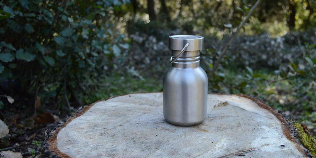 Botella reutilizable ahorro dinero