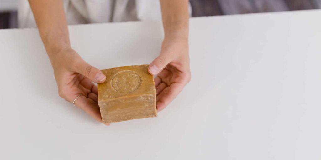 Jabón sólido reducir residuos